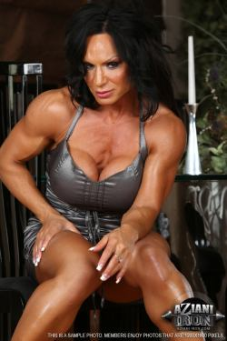 Sexy muscle girls picture