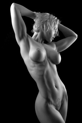 Hot fitness chicks muscle babe nude Sexy Muscle Girls Page 2 The Buff And The Beautiful