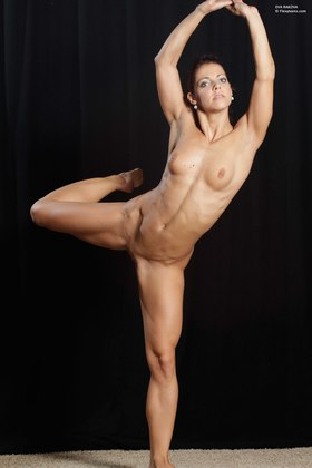 Nude Female Gymnast Picture
