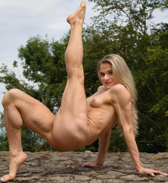 Female Bodybuilder Picture