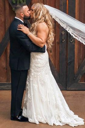 Female Bodybuilder Wedding Picture