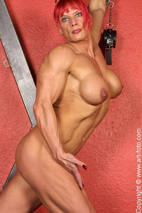 Nude Female Bodybuilder Picture