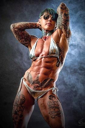 Erotic Female Bodybuilder Picture