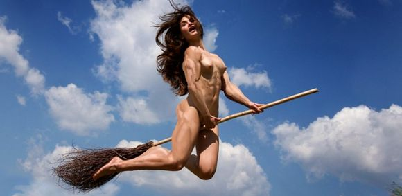 Muscle Witch Picture