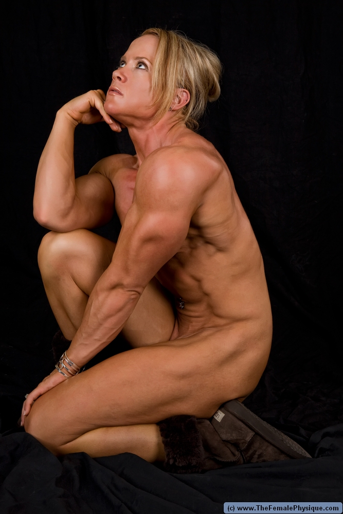 Nude Female Bodybuilder: Amanda Folstad