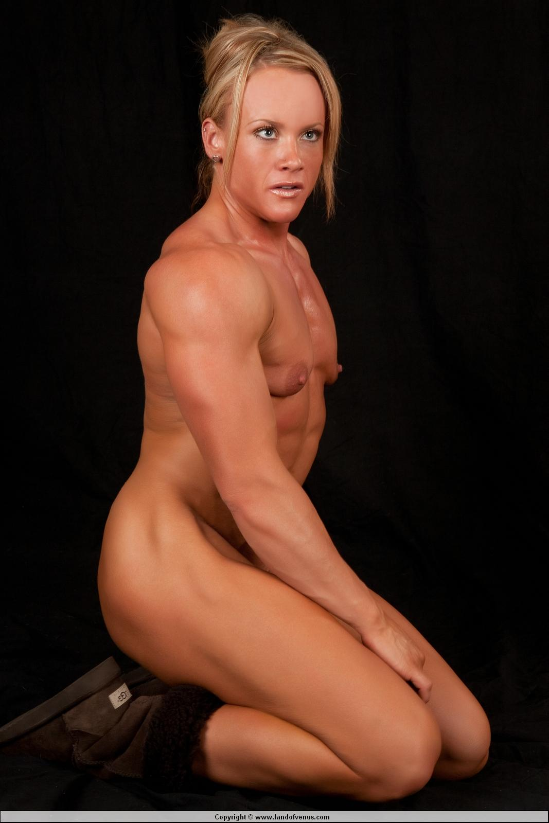 Female bodybuilding nude video
