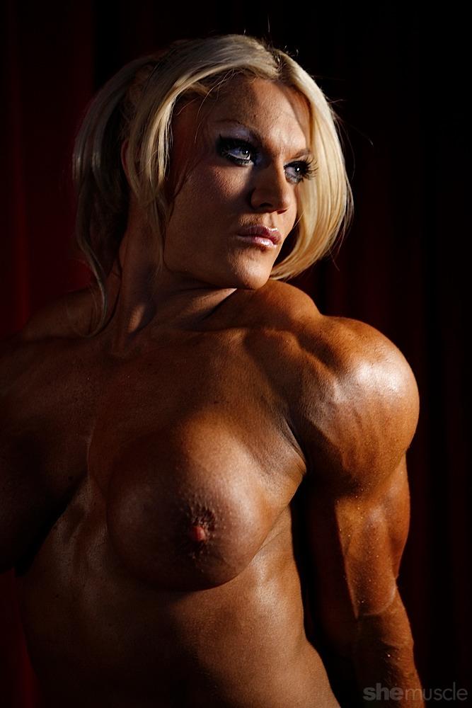 Lisa Cross - Female Bodybuilder &
