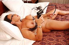 Nude Female Bodybuilder Denise Masino Picture