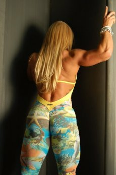Female Bodybuilder Anne Freitas Picture