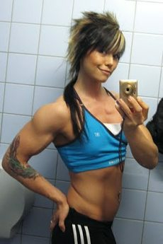Female Bodybuilder Eva Kovalainen Picture