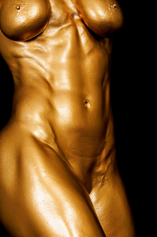 Golden Nude Female Bodybuilder Picture