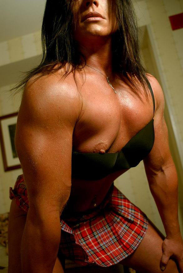 Katka shows off her powerful muscles 2
