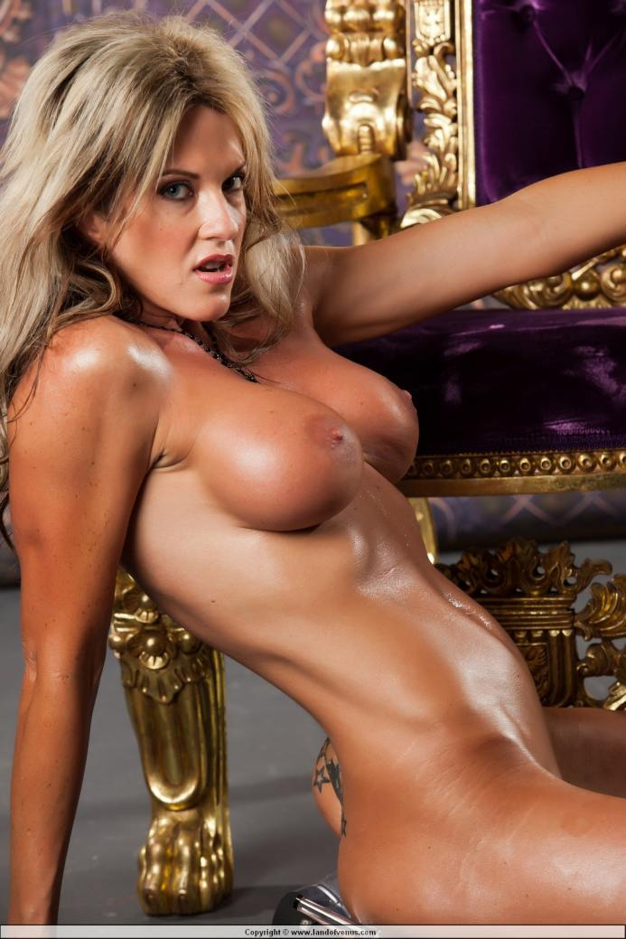 nude girls with sax