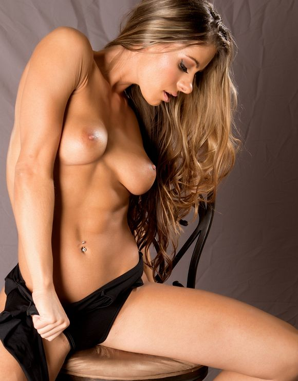 Nude Female Fitness Model Picture