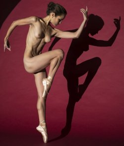 nude ballerina Picture