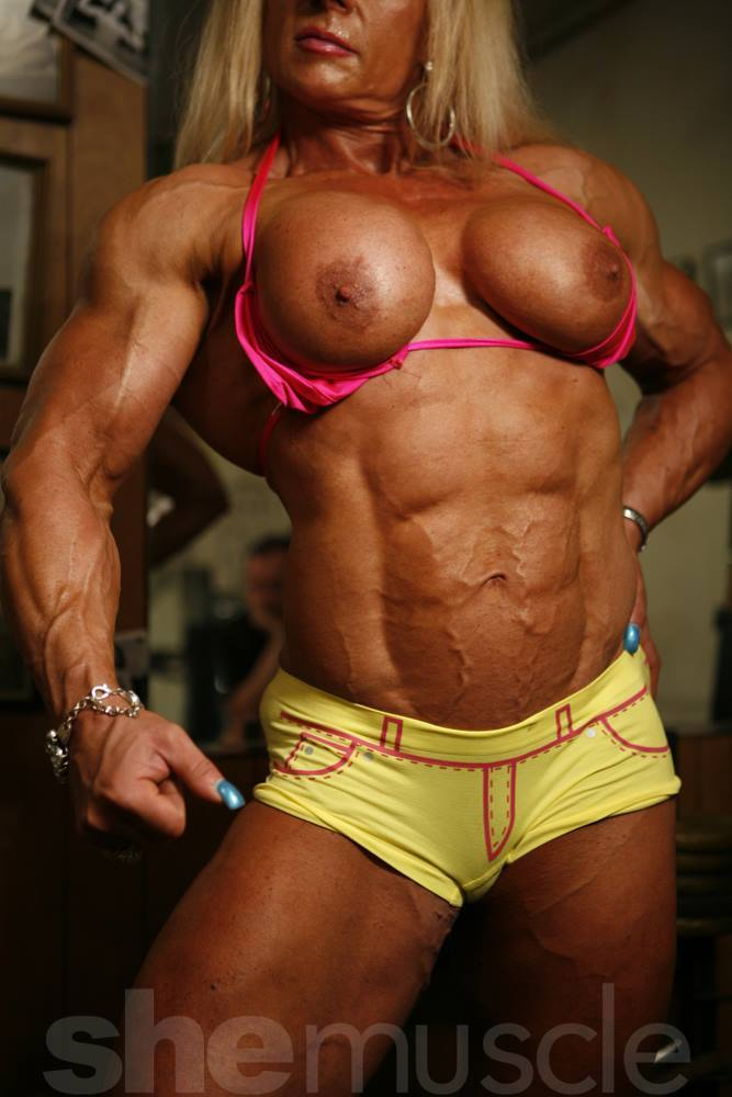 french female bodybuilders nude