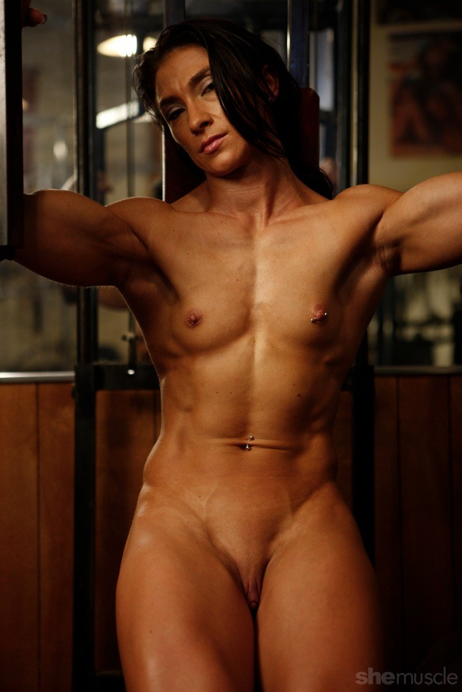 nudist female bodybuilding